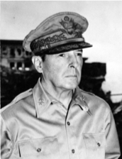 This image has an empty alt attribute; its file name is g-macarthur.png